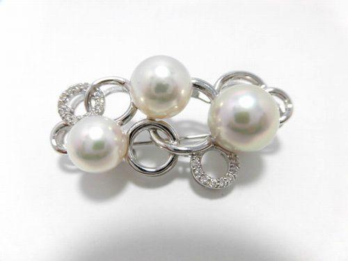 K18WGアコヤ真珠ダイヤブローチ/真珠8~9.8mm 3ピース/ダイヤ 0.17ct/大きさ3.8cm/BR-498/ブローチ/ジュエリー/女性用/レディース/プレゼント/ギフト/お買い得/オススメ/送料込み/宝石