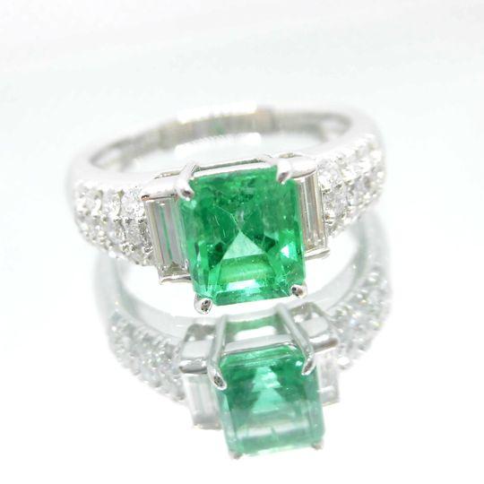 PTエメラルドリング プラチナ エメラルド 1.43ct ダイヤモンド 0.62ct F7041 送料無料 40%OFF価格