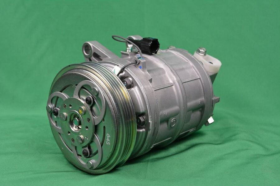 【純正新品】エアコンコンプレッサー 日産 キャラバン CWGE25 VWE25 互換製品