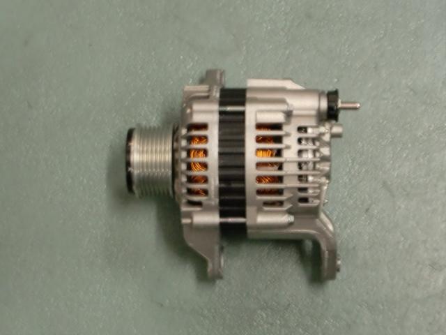 【日立製オルタネーター】メーカーリビルト品 キャラバン LR180-771C RR E25