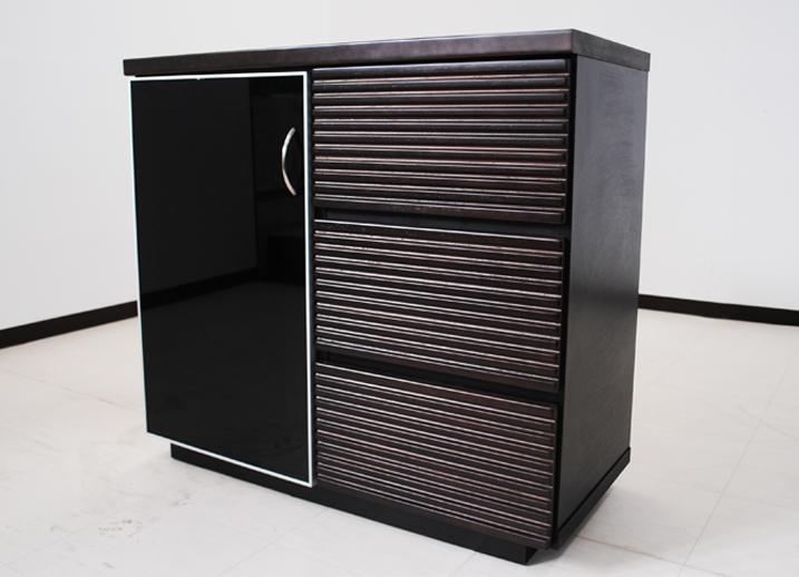 【送料無料】サイドボード キャビネット 幅90Ccm リビングボード ブラックガラス 完成品