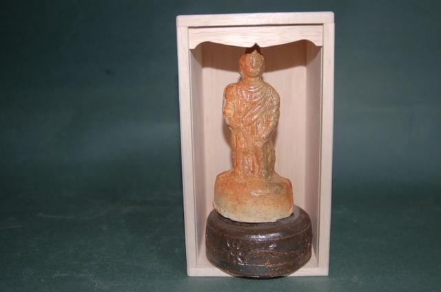 T5ーH 手元供養像 釈迦如来 焼き締め お骨が入る小さな仏像 台座付き fs04gm
