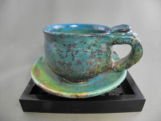gko-3 虹彩楽焼 カップ&ソーサー 陶芸作家 荒川明作 木箱付き こだわりのギフト 還暦祝いなどの 贈り物に最適 【送料無料】