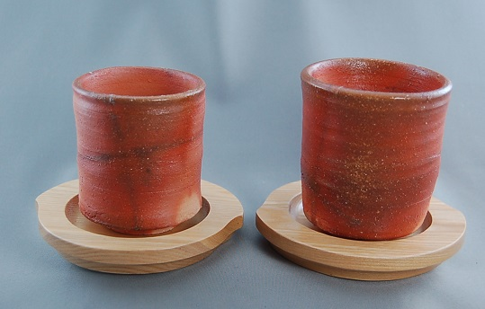 陶芸作家 荒川明作 薪窯 焼締 夫婦湯のみ cyus-1 木箱付き こだわりのギフト 還暦祝いなどの 贈り物に最適 【送料無料】 【無料ラッピング承ります】 05P05Apr14M fs04gm