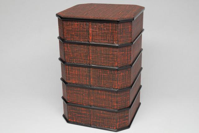 【茶器/茶道具・懐石道具】 日本製 縁高重 布張り 木製本漆溜塗り