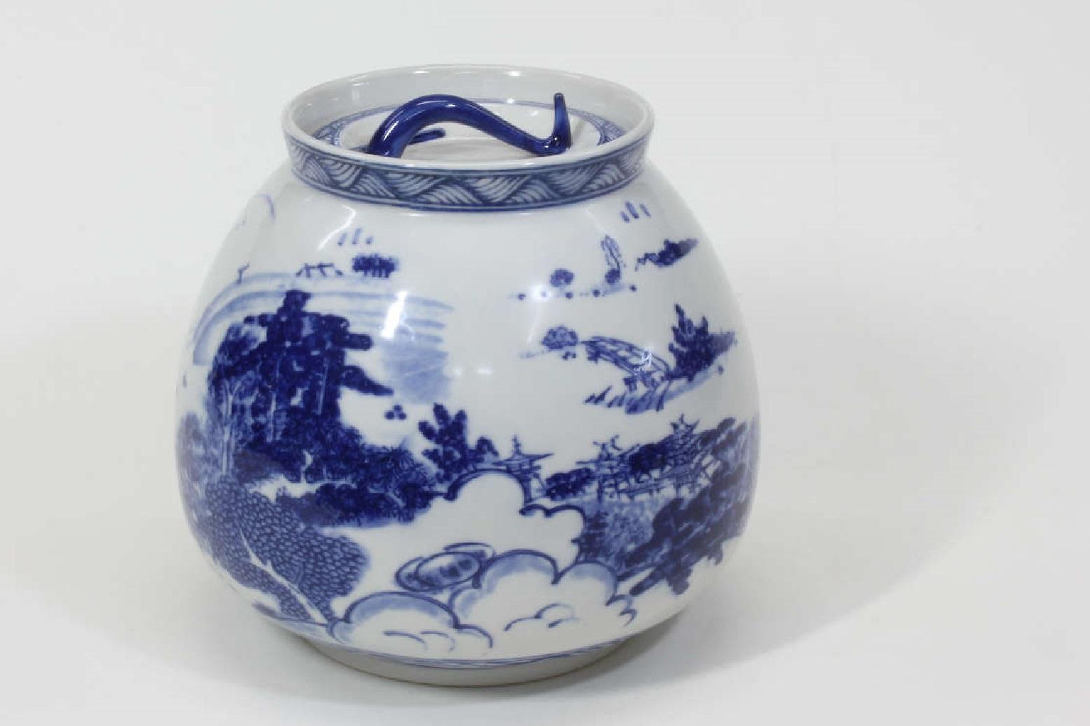 【茶道具/水指】 染付近江八景水指 英治 木箱入り