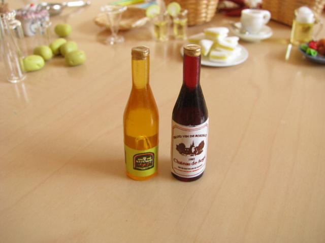 ミニチュアドールハウスに ミニチュア雑貨 ワイン2本セット ID51038 C m-s 新作多数 全品最安値に挑戦 ネコポス配送対応