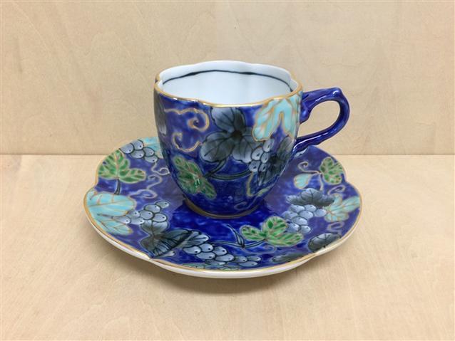【有田焼 福泉窯】瓜型コーヒー碗皿.染錦ぶどう(青)