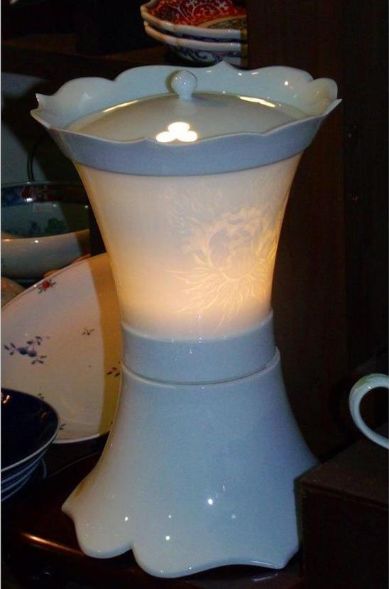 【有田焼】磁器燈楼(白磁牡丹)