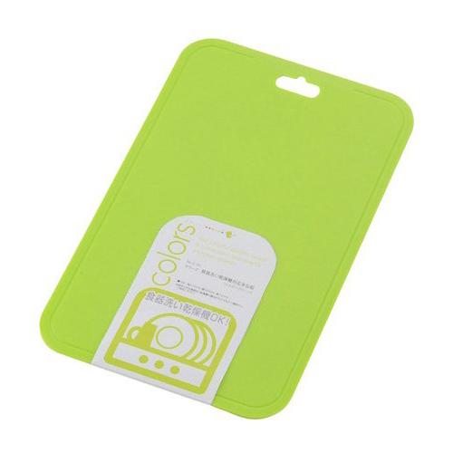パールキンゾク C0348 カラーズ カンソウキタイオウ 期間限定特価品 マナイタ まな板 日本製 パール金属 C-348 カッティングボード 迅速な対応で商品をお届け致します 食洗機対応 グリーン