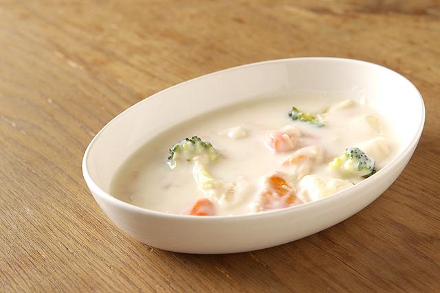 アイボリー 超歓迎された オーバル楕円ボウルMお子様のカレー皿やシチュー皿 パスタ皿として日本製のナチュラル陶器でほっこりおうちカフェ 02P18Jun16 まとめ買い特価