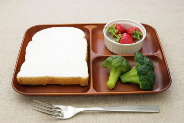 軽くて割れにくい ランチ皿 おうちカフェ 介護やアウトドアにぴったり 子ども用にも ランチプレート SEE 2020新作 仕切り皿日本製 食洗機対応 食器 木製風 ライトブラウン 購入 樹脂製 電子レンジ使用可