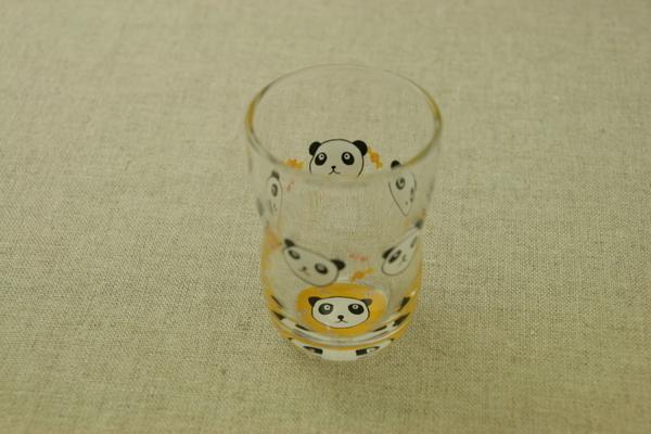 パンダ ついに再販開始 ガラスグラスM 185ml 旧つよいこグラス デッセルMにかわいいパンダの絵がつきましたガラスコップ 日本製 ぱんだ 口部強化で小さなベビー 販売実績No.1 お子様にも安心なかわいいガラス食器