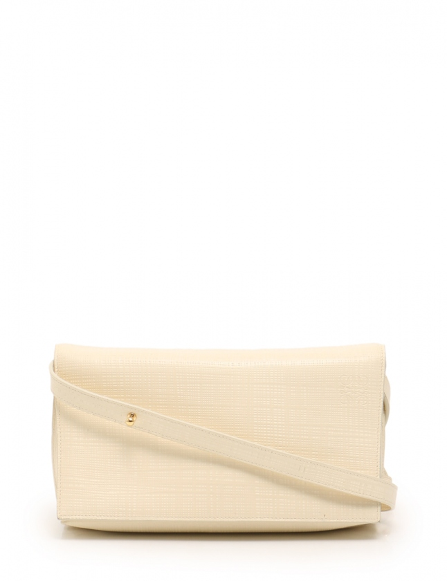 ロエベ LOEWE ショルダーバッグ アイボリー 101.88.L55 レザー Vega Bag レディース 【中古】【ベクトル 古着】 ブランド古着ベクトルプレミアム店