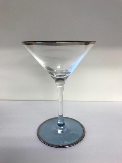 大人気 職人の手造りによるカクテルグラスです 吉沼硝子 送料無料カード決済可能 カクテルグラス 深海-4 グラス ハンドメイドグラス パーティー デザート バー アミューズ