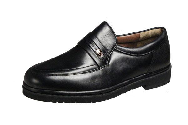 送料無料撥水加工したシープ革を使用し履き良さと上品なデザインが人気のメンズシューズ 限定特価 モーガンクイーンカジュアルシューズ408ブラックUチップスリッポンMORGAN QUINNシープ革使用紳士靴 スーパーセール期間限定