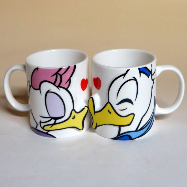 Duckamp; Donald Kiss Daisy Cup Pair Sun Mug Art drBWoCex