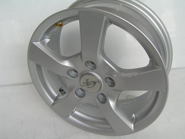 Voxy ノア エスクァイア アクセラ プレマシー ステップワゴンcmアコードワゴン S Mx アイシス アテンザ アコード Cl型 フリード 5穴車 ストリーム 中古 ホイール 15インチ 4本セット 15x114 3 5h 6j 50