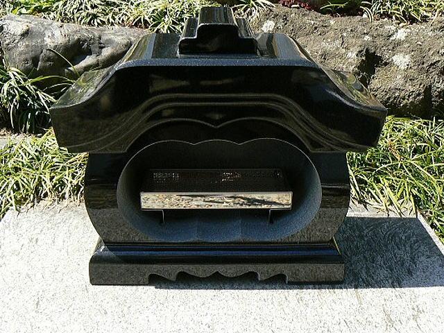 【お墓・墓石・香炉】 黒御影石宮型香炉・香皿付【送料無料】
