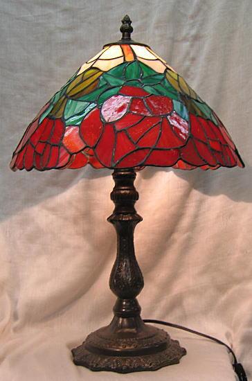 ステンドグラス ランプ 赤バラ (シェード直径31cm 全体の高さ44cm) テーブルランプ ティファニー風