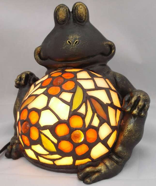 ステンドグラス ランプ カエル 幅16cm 奥行き16cm 高さ13 cm