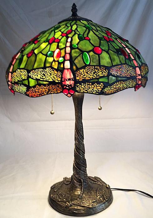 ステンドグラス ランプ 大型 2灯 グリーン地にナギットと赤トンボ柄 幅40.5cm 高さ57.5cm ティファニー