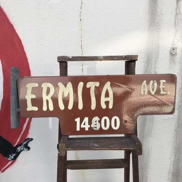 ヴィンテージ 看板 ERMITA AVE [12Y-3] ホーロー 琺瑯 ストリート サイン アメリカン雑貨 アメ雑