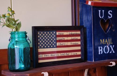 あす楽】絶版アントステラ 刺繍フレーム 「HONER EQUALITY LIBERTY 名誉 平等 自由 」 サンプラーアメリカン フレンチ カントリー インテリア雑貨 壁掛け 国旗 アメリカ オールドグローリー 愛国心 欧米 米国 フラッグ
