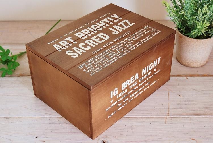カッコイイ色合い 木目の出かたも独特 レトロ 木箱 売り出し ブレア カントリーBOX フタ付き 年間定番 No.6 ダークブラウン 国産 マスク収納アメリカン フレンチ 救急箱 ボックス 北欧 ナチュラル 裁縫箱 カントリー ウッド 小物入れ 雑貨 インテリア 安い アンティーク加工