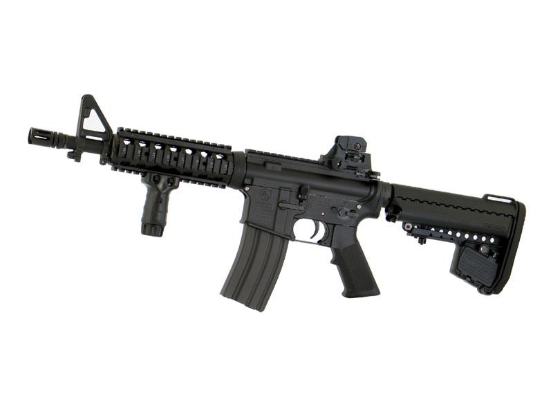 東京マルイ M4A1カービン < CQB-R > ブラックモデル 次世代電動ガン(電動エアーガン・電動エアガン) 対象年令18才以上(18歳以上) <COLT/コルト><M4ショーティー>