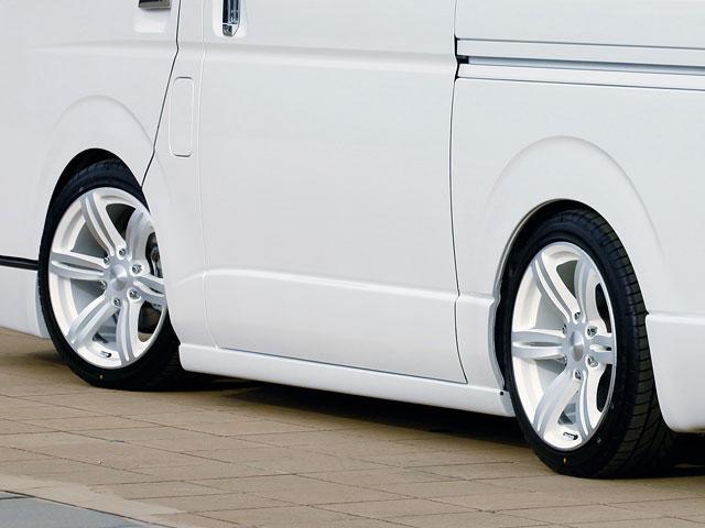 [415 COBRA] CLEAN LOOK サイドステップ ハイエース 200系 標準/ワイドボディ共通 個人宅不可 大型荷物につき特別運賃