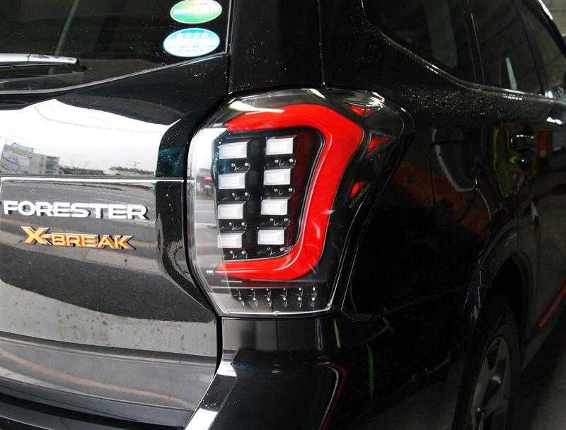 COLIN-SHREAD フォレスター用 LEDテールランプ レッドチューブ ダンシングウインカー仕様 フラットブラック/クリアレンズ 【フォレスター [SJ5/SJG] 2012.11~ (MC前期/後期対応)】 1台分左右セット