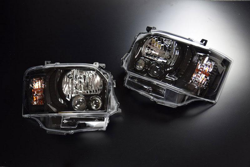 CRS 4型LEDルックハロゲンヘッドライト グロスブラック ハイエース 200系 2004年8月~ 北海道・沖縄・離島は要確認