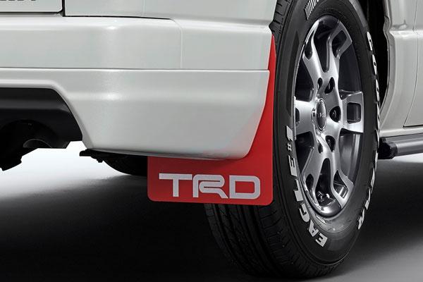 TRD マッドフラップ レッド ハイエースバン KDH20# KDH211 KDH22# TRH200 KDH21# KDH22# 13/11~ 除くマッドガード(カラード)、マッドガード付車