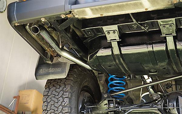 [TRUST] トラスト GReddy クロスマフラーN-Style マフラー ランドクルーザープラド KZJ78W 1993/5~1996/4 1KZ-TE 3.0L 4WD リア部 沖縄・離島は要確認