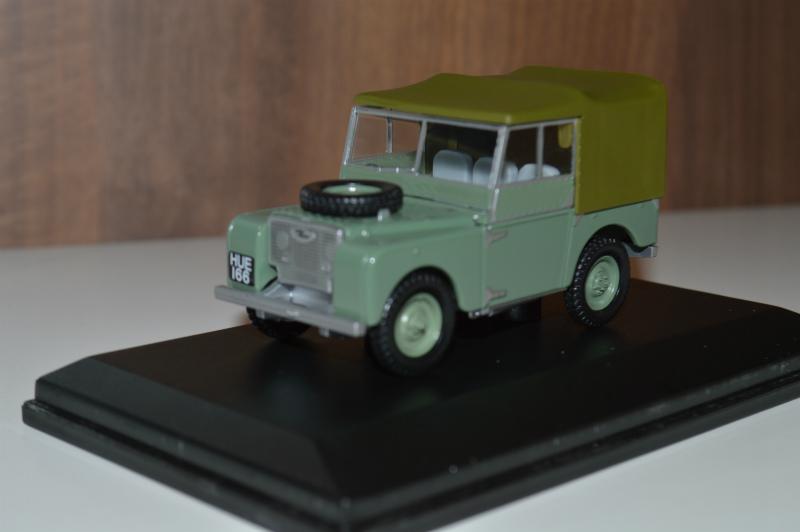 ミニカー シリーズ1 1948 HUE166Series1 グリーン DM便不可※ボンネットタイヤあり/台座文字無しケース傷有