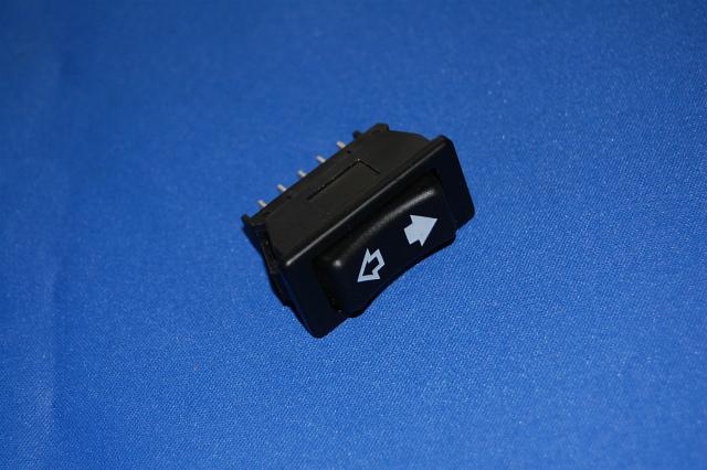 即日出荷 パワーウィンドウスイッチ UK純正品 1個 適合例 クラシックレンジローバー前期要適合確認 直輸入品激安