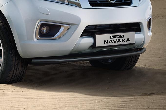 NP300 NAVARAディーラーOPフロントバー ブラックFront black 迅速な対応で商品をお届け致します 使い勝手の良い styling bar