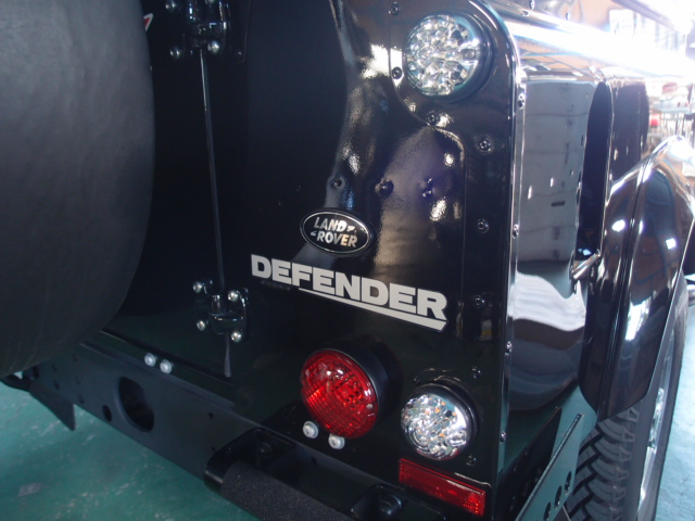 LEDテールランプ 左右2個セット【UK社外 WIPAC製】 クリア/レッドレンズ レンズ直径75mm[適合車種]ディフェンダー90/110/130 DEFENDER 2007~