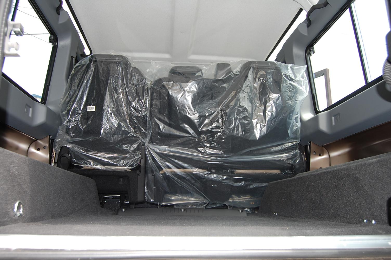 リア フロアカーペットセット UK純正品 5シート用 業界No.1 左右サイド+センターカーペット 3点セット ※大型商品のため送料別途 適合車種 限定価格セール '07-ディフェンダー110※ビジター価格