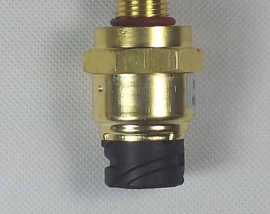 AL 1077574 オイル プレッシャー センサー 適用: ボルボ D12 VN VNL トラック AL-FF-2646