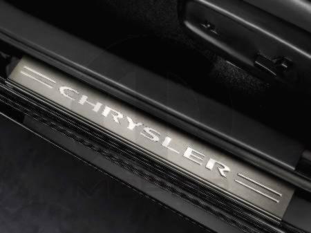 【US直輸入純正】Chrysler(クライスラー)300 2011-2014年ドアシルガード(ドアシルプロテクター)スカッフプレートステンレス 4ピース