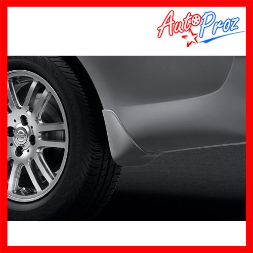 【US日産直輸入純正品】Versa Sedan (ヴァーサ セダン) 2012(ティーダ ラティオ)イルミネーション機能付きドアシルプロテクター(スカッフプレート/キッキングプレート)