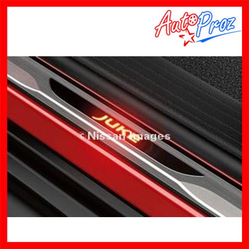 【US日産直輸入純正品】Nissan Juke 日産 ジューク2010年式以降 現行(平成22年式以降)イルミネーション付きドアシルプロテクター(スカッフプレート/キッキングプレート)