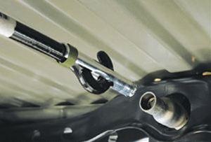 【USトヨタ 直輸入純正品】Tacoma タコマ2005-2012年式スペアタイヤロック