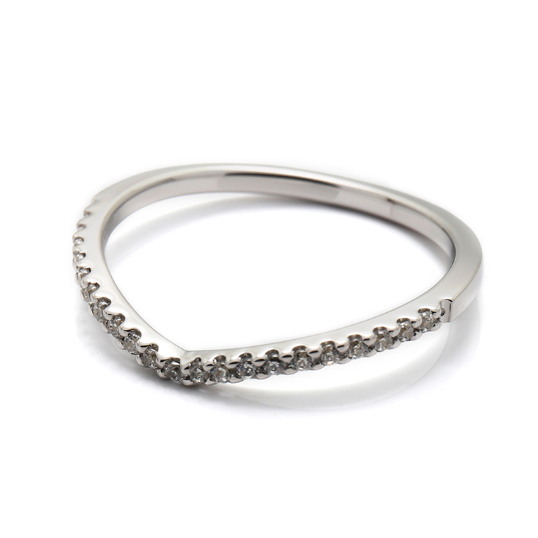 【マリッジリング(結婚指輪):レディース】【Vラインハーフエタニティ】プラチナダイヤモンドリング(0.105ct) KSIMA-002H ※4週間前後でお届け
