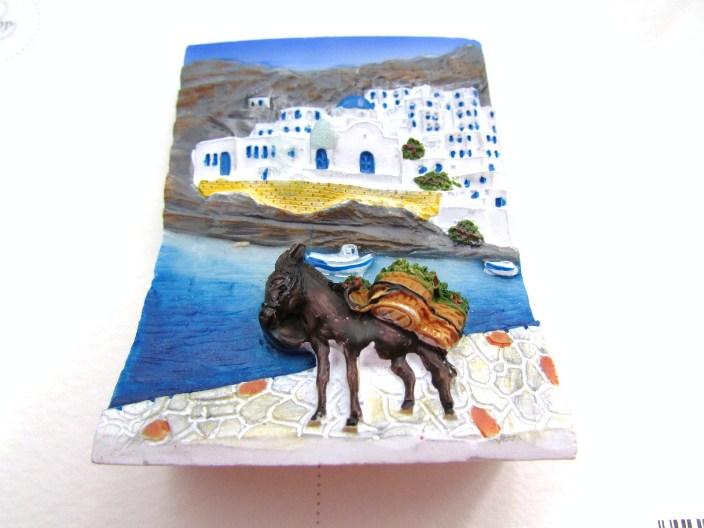 美品 ギリシャからやってきた立体画マグネットひとつひとつ手描きされた 美しく鮮やかな色彩の風景をお楽しみください ギリシャ雑貨 ギリシャ風景立体画マグネットI SEAL限定商品 エーゲ海の島の街並み 海辺のロバ インテリア雑貨