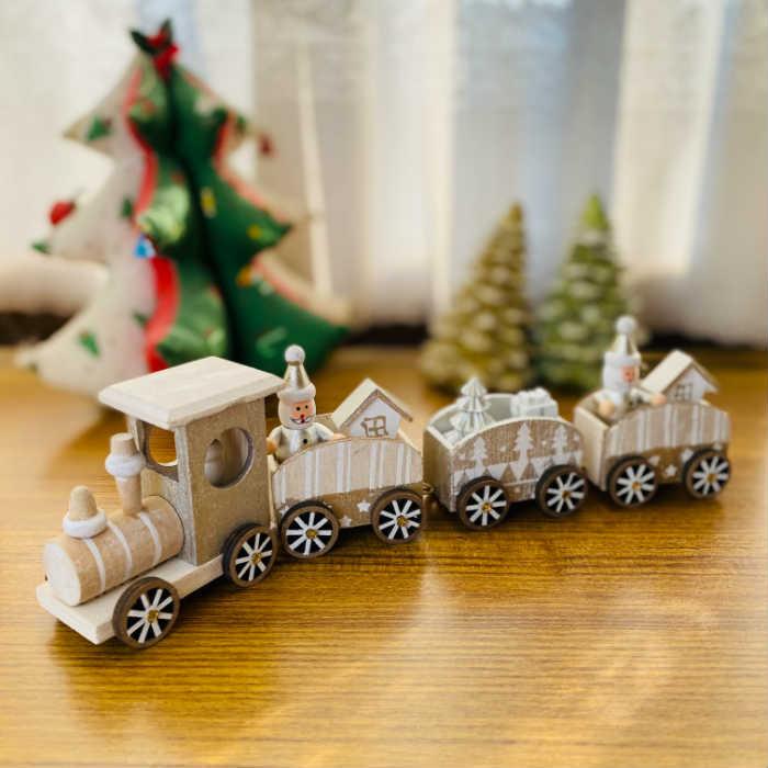 サンタクロースが乗った木製の汽車のオブジェクリスマス以外でも飾っておきたい 可愛らしいクリスマスインテリアです あったかクリスマス ウッディサンタトレイン クリスマス プレゼント 爆買い新作 インテリア置物 ウインターギフト 置物 クリスマス雑貨 実物