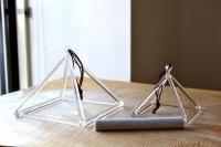 クリア クリスタルピラミッド 8インチ( 専用ケース付き)
