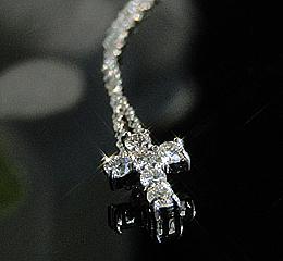 k10WG ダイヤモンド クロス ネックレス